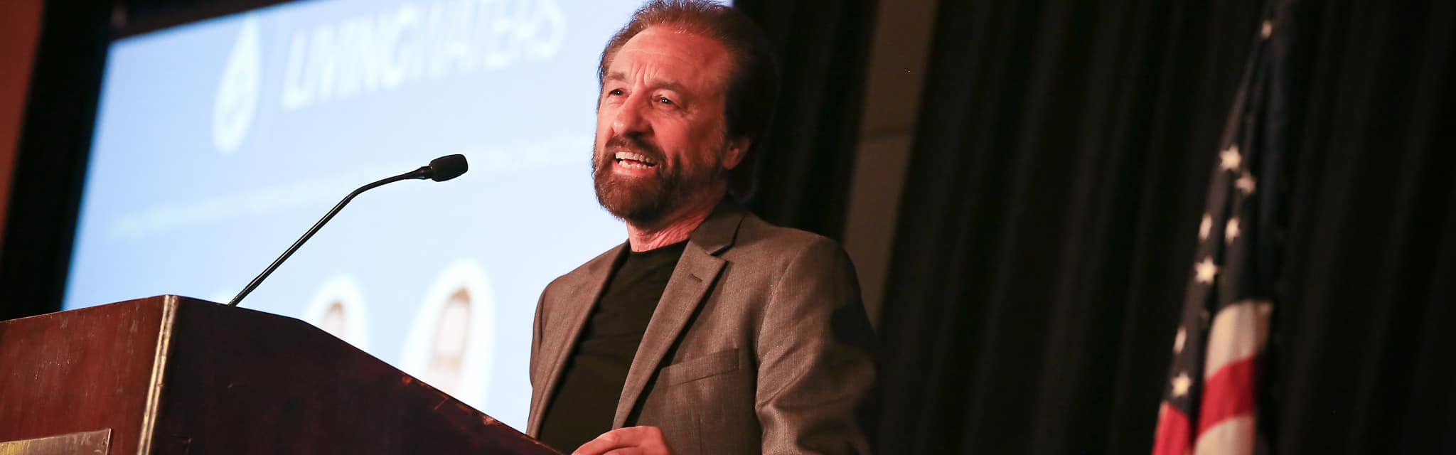 ray-comfort-speaking