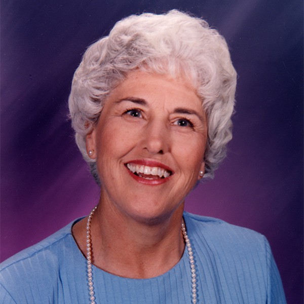 Linda Corson Headshot